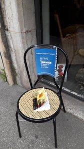 festival-premier-roman-chaise-livre-liseuses-de-bordeaux