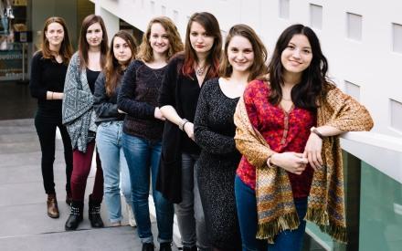 Les 7 étudiantes de L'Apprentie, par Claire Lafargue